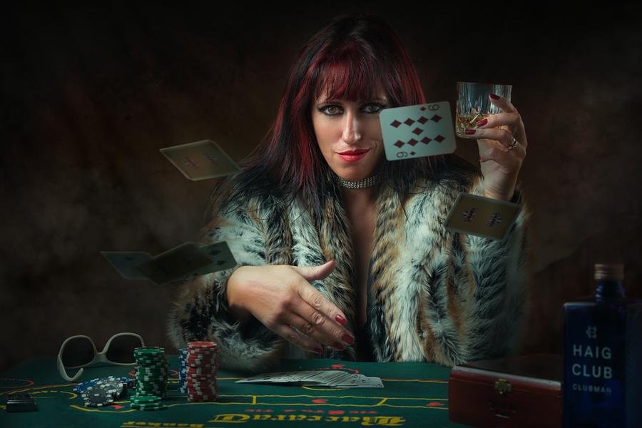 Hustler girls of poker